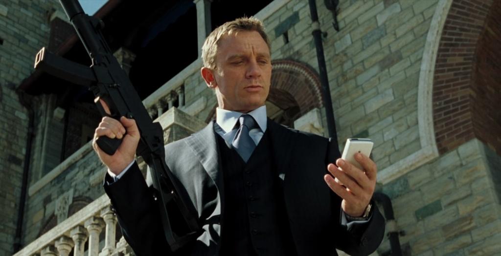 Casino Royale Daniel Craig in suit