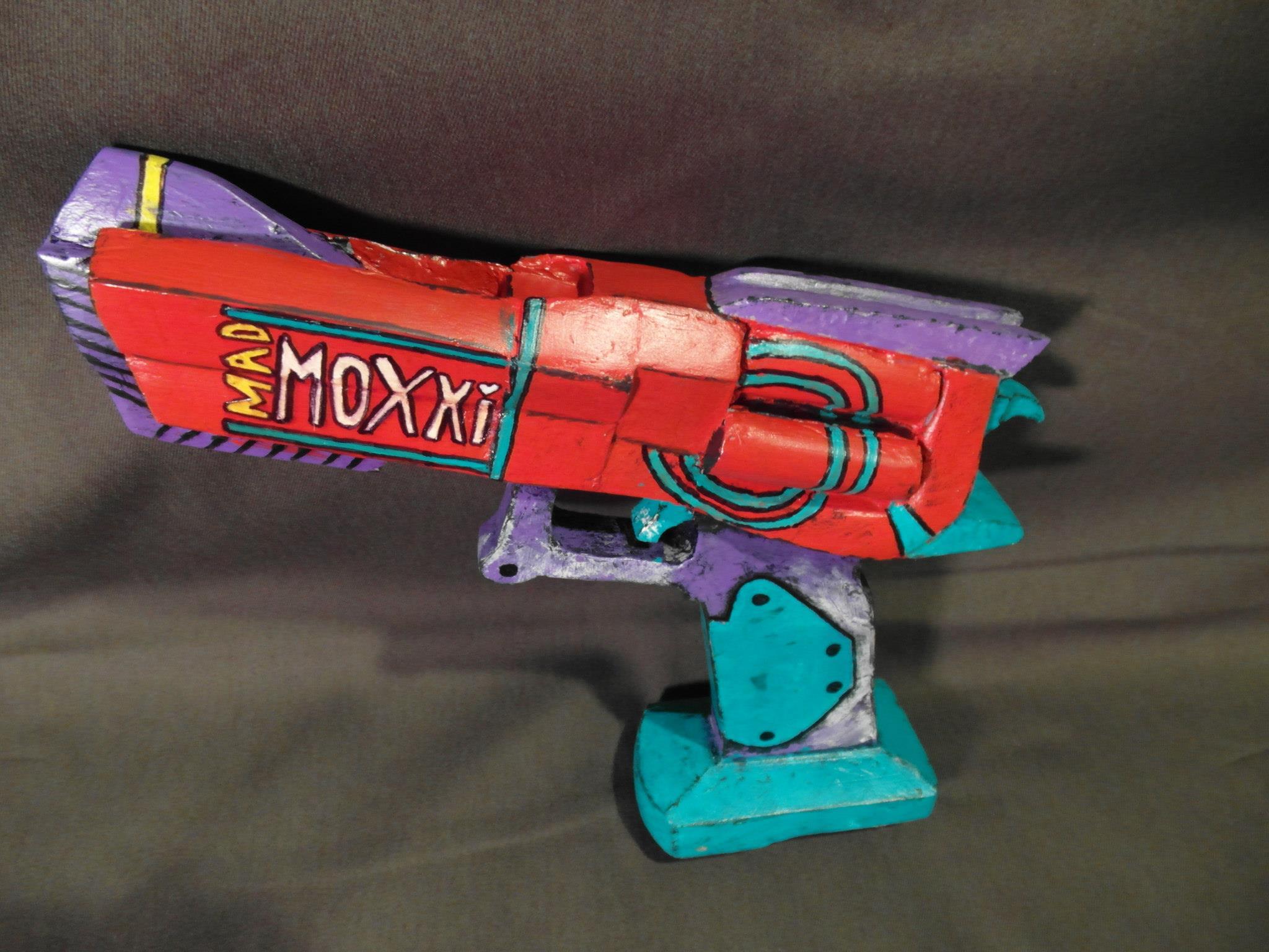 Cosplay Confidential Quartermaster's Cache - bioshock gun