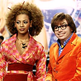 austin powers in goldmember - beyonce and mike meyers