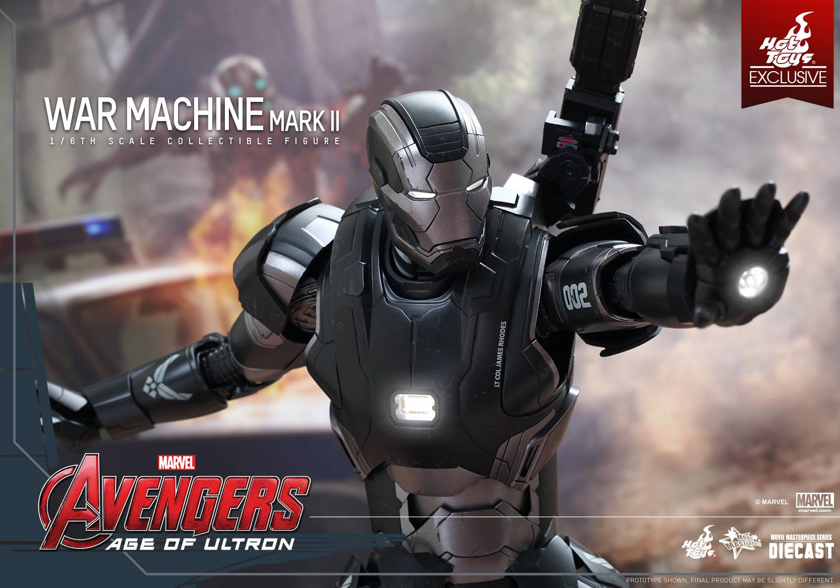 Hot Toys Avengers Age of Ultron War Machine -wide shot