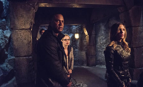 Arrow - This is Your Sword - Diggle, Felicity and Laurel