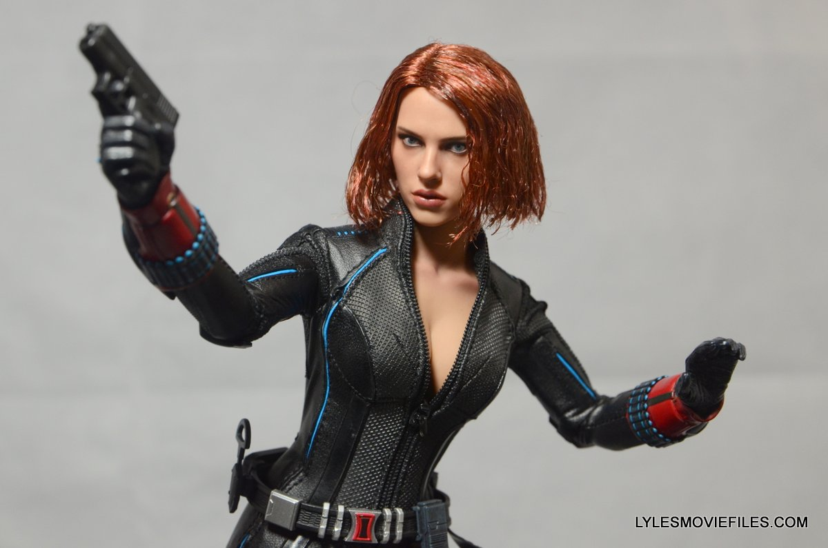 Hot Toys Black Widow figure review