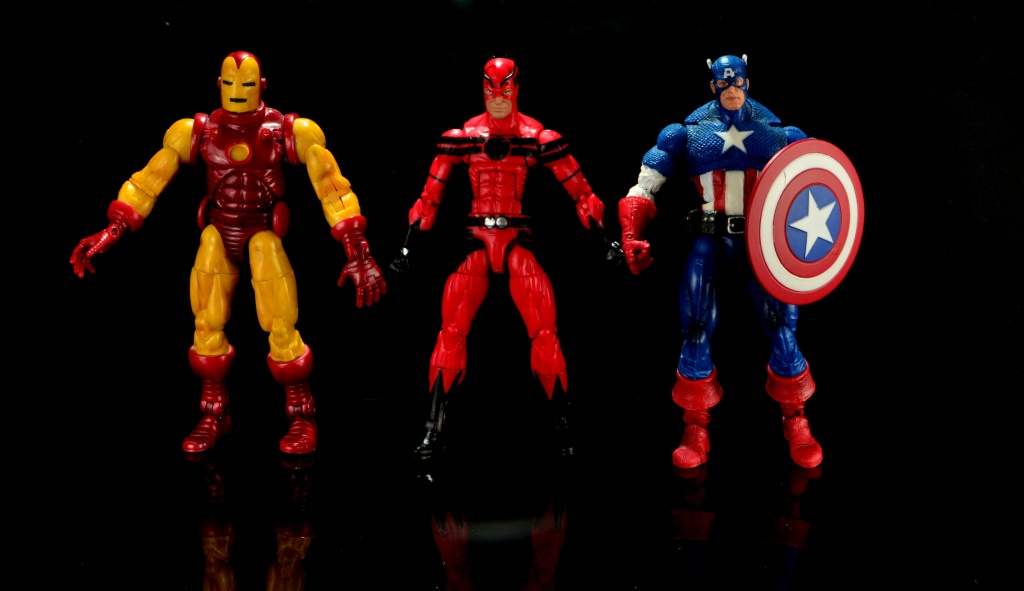 Marvel Legends Giant Man figure review -scale shot with Iron Man and Captain America