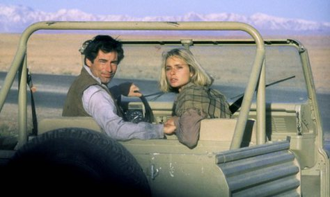 the-living-daylights-bond-and-kara-in-jeep