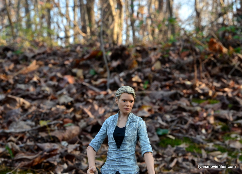 The Walking Dead Andrea figure review - in the woods
