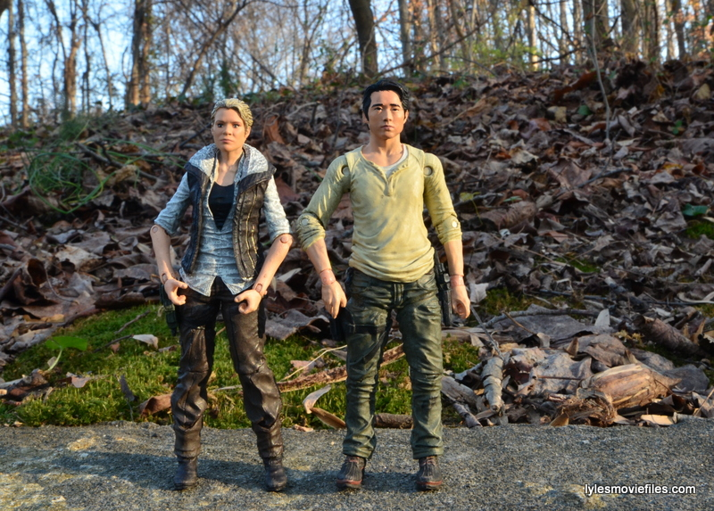 The Walking Dead Andrea figure review - scale with Glenn