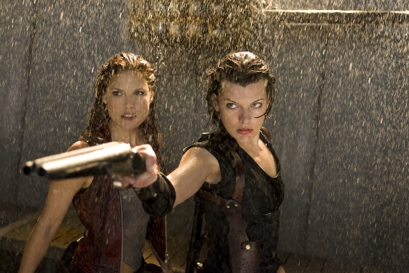 Resident Evil Afterlife Review Claire Redfield And Alice In