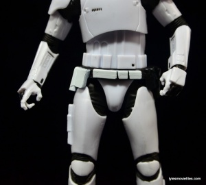 Star Wars The Force Awakens - The Black Series Stormtrooper review -ammo belt-min