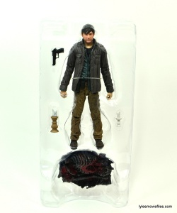The Walking Dead Gareth figure review - accessories