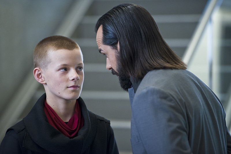 legends of tomorrow progeny review - per degaton and vandal savage-min