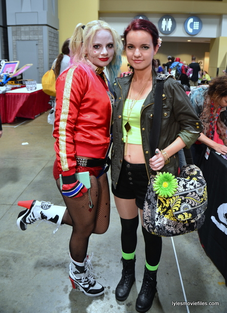 Awesome Con 2016 cosplay - Suicide Squad Harley Quinn and Poison Ivy
