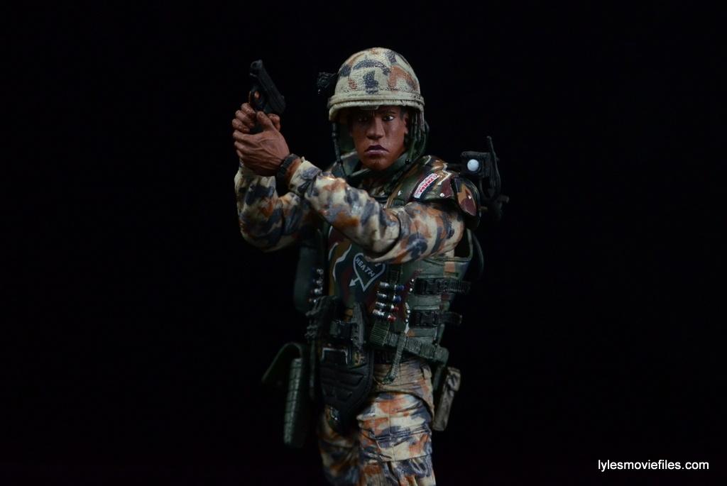 neca-aliens-series-9-frost-figure-review-cradling-pistol