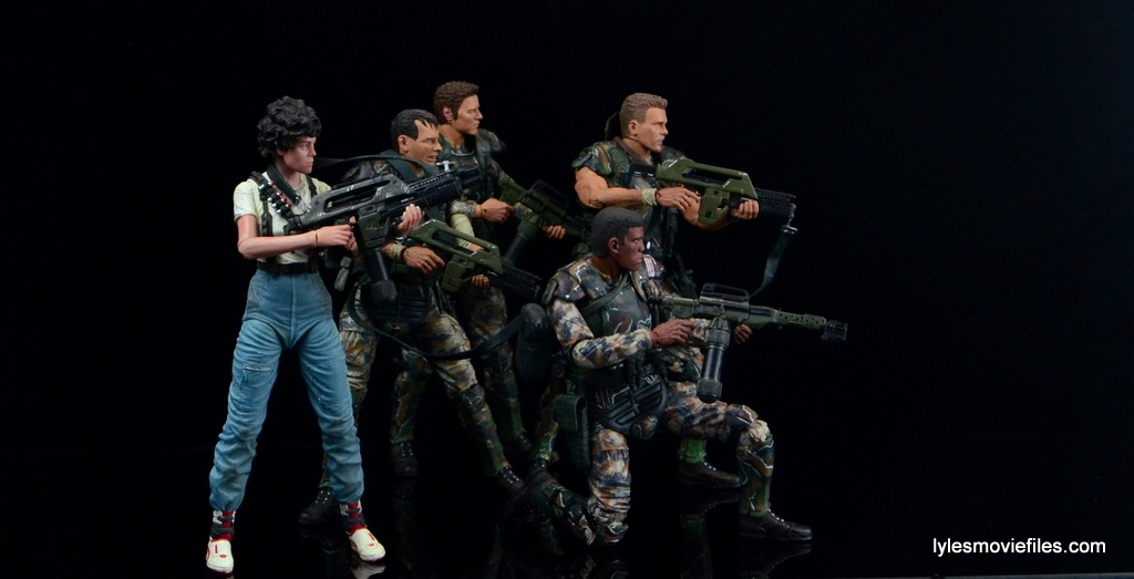 neca-aliens-series-9-frost-figure-review-with-ripley-windrix-hudson-and-hicks