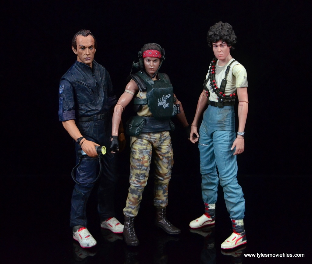 neca-aliens-series-9-pvt-jenette-vasquez-scale-with-bishop-and-ripley