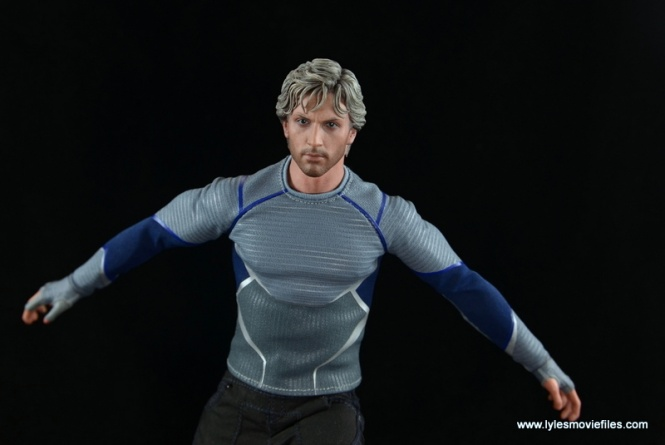 Hot Toys Quicksilver figure review - arms out