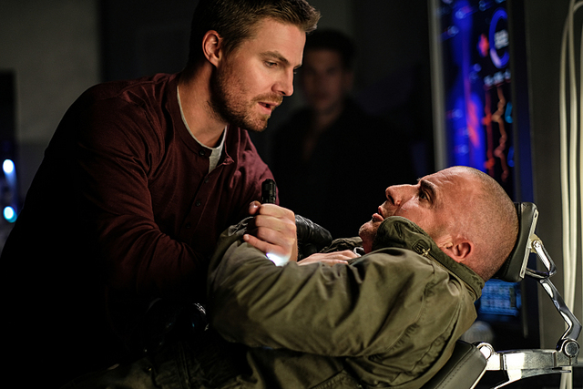 legends-of-tomorrow out of time oliver-queen-and-rory