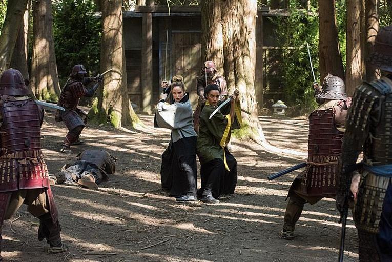 legends-of-tomorrow-shogun-review-white-canary-and-vixen-battling-samurai