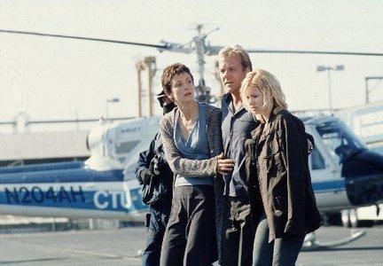24 Season 1 - Terri, Jack and Kim Bauer