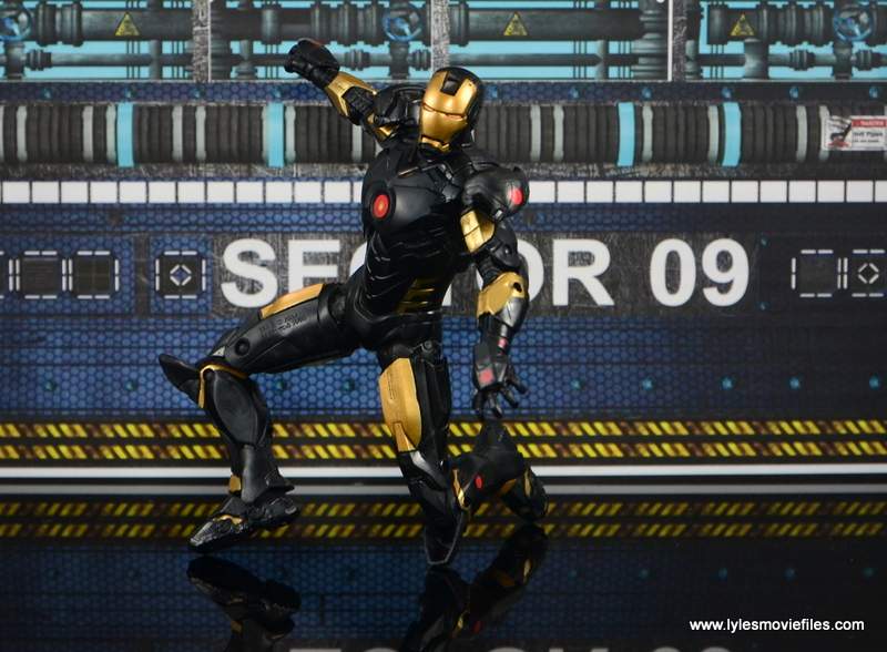 Marvel Legends Marvel Now Iron Man figure review - on one knee