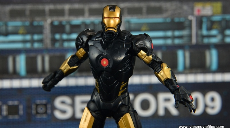 Marvel Legends Marvel Now Iron Man figure review -wide pic