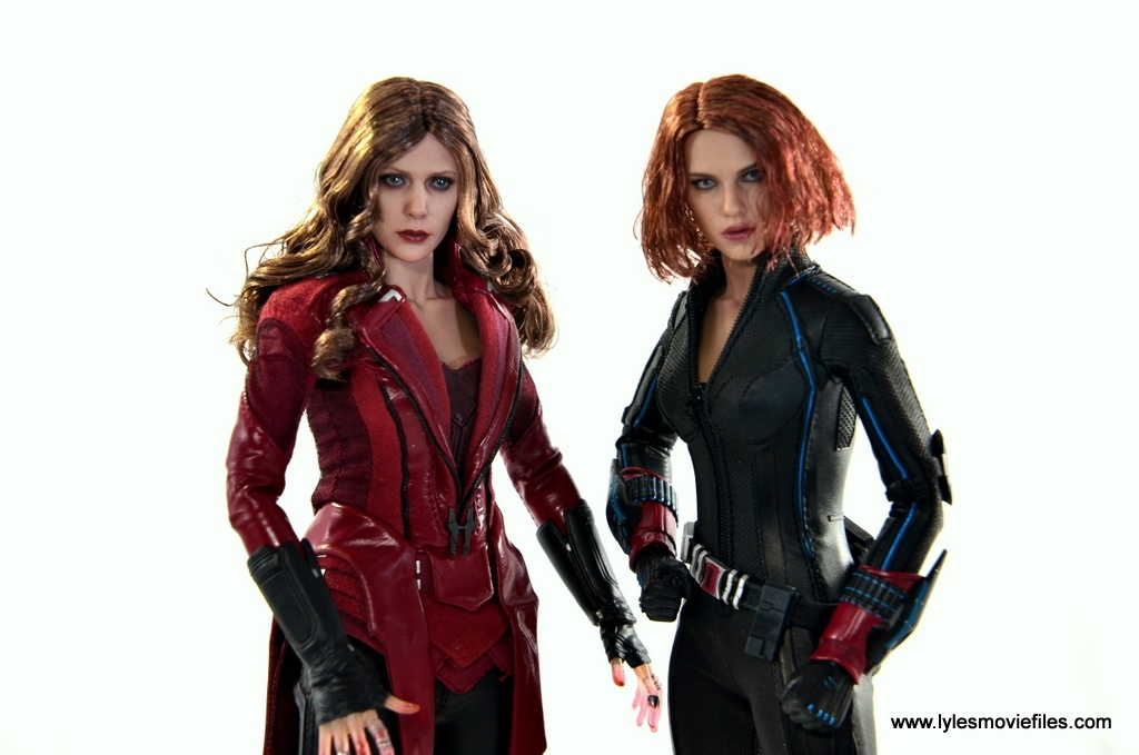 Hot Toys Scarlet Witch figure review - with Black Widow