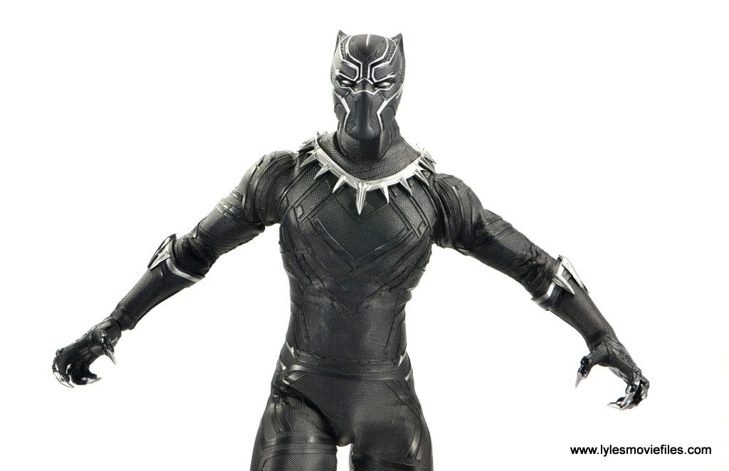 Hot Toys Black Panther figure review -claws out wide