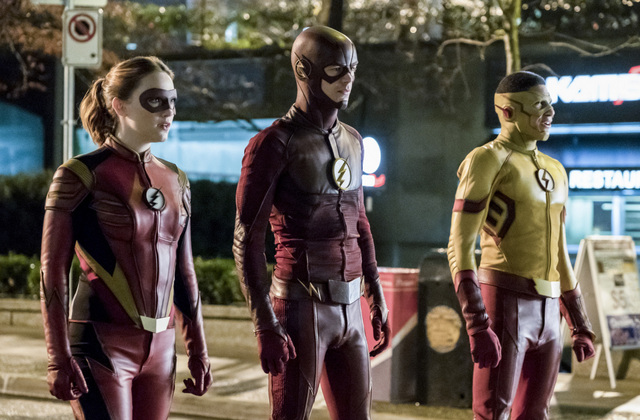 The Flash Attck on Central City review - Jesse Quick, The Flash and Kid Flash