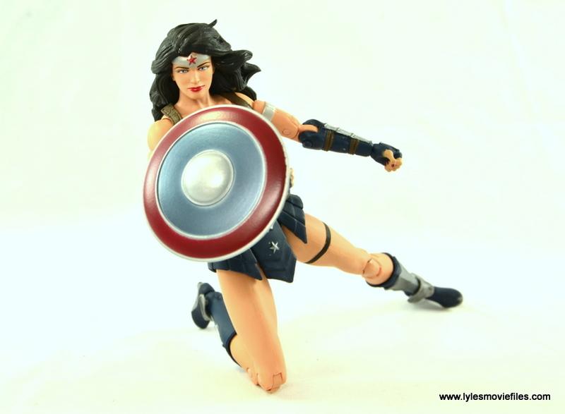 DC Icons Wonder Woman figure review -raising shield