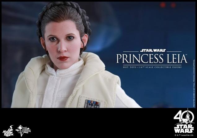 Hot Toys Princess Leia Hoth figure -main