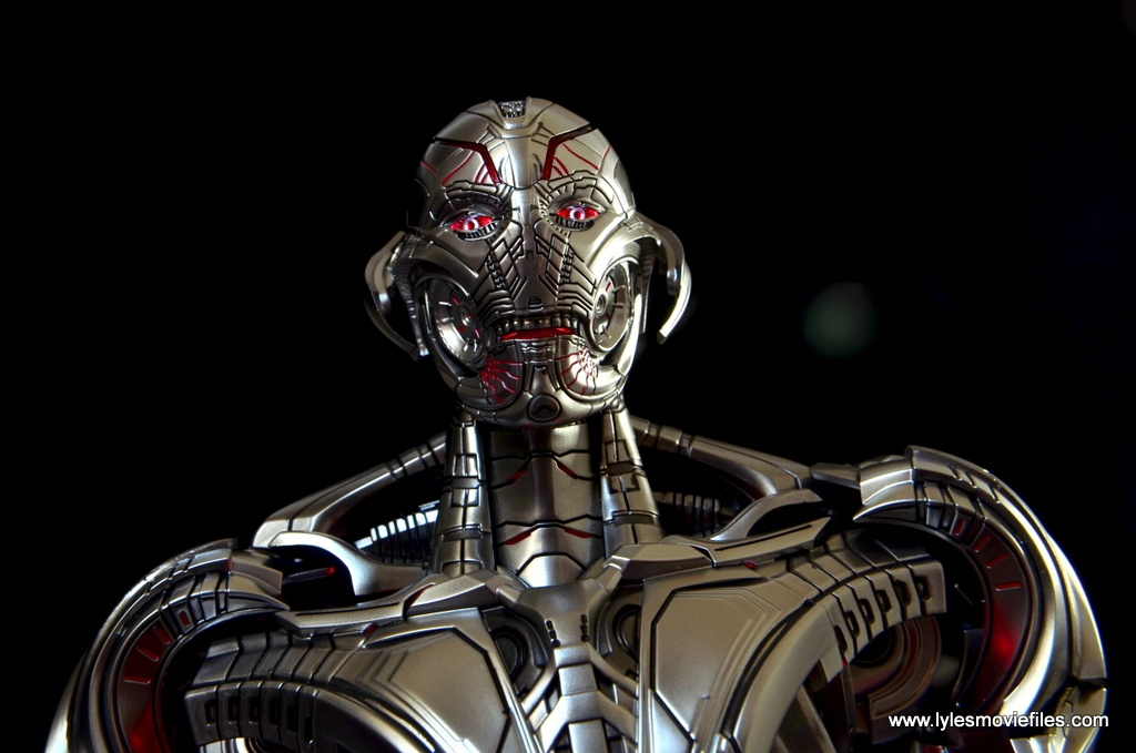 Hot Toys Avengers Ultron Prime figure review -lit up eyes