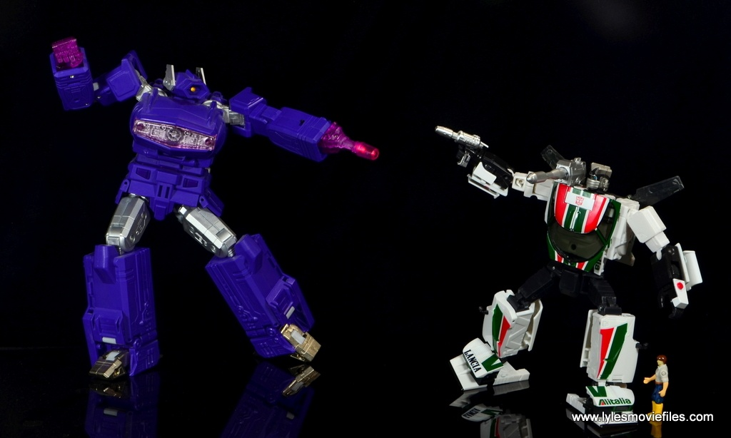 Transformers Masterpiece Wheeljack figure review -vs Shockwave