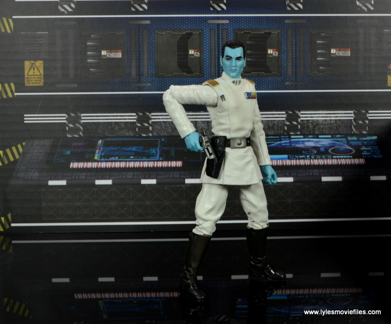 Star Wars The Black Series Grand Admiral Thrawn figure review -reaching for blaster
