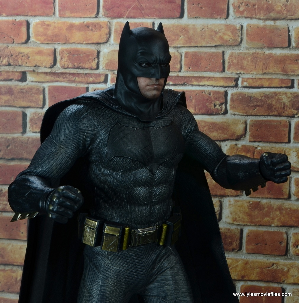 Hot Toys Batman v Superman Batman figure review -fists up