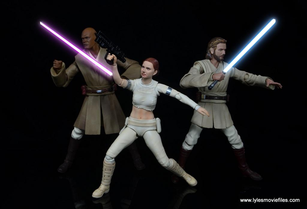 SH Figuarts Padme figure review - fighting alongside Mace Windu and Obi-Wan Kenobi lightsabers lit