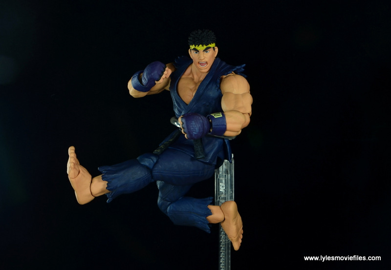 Storm Collectibles Street Fighter V Ryu figure review - Hurricane Kick