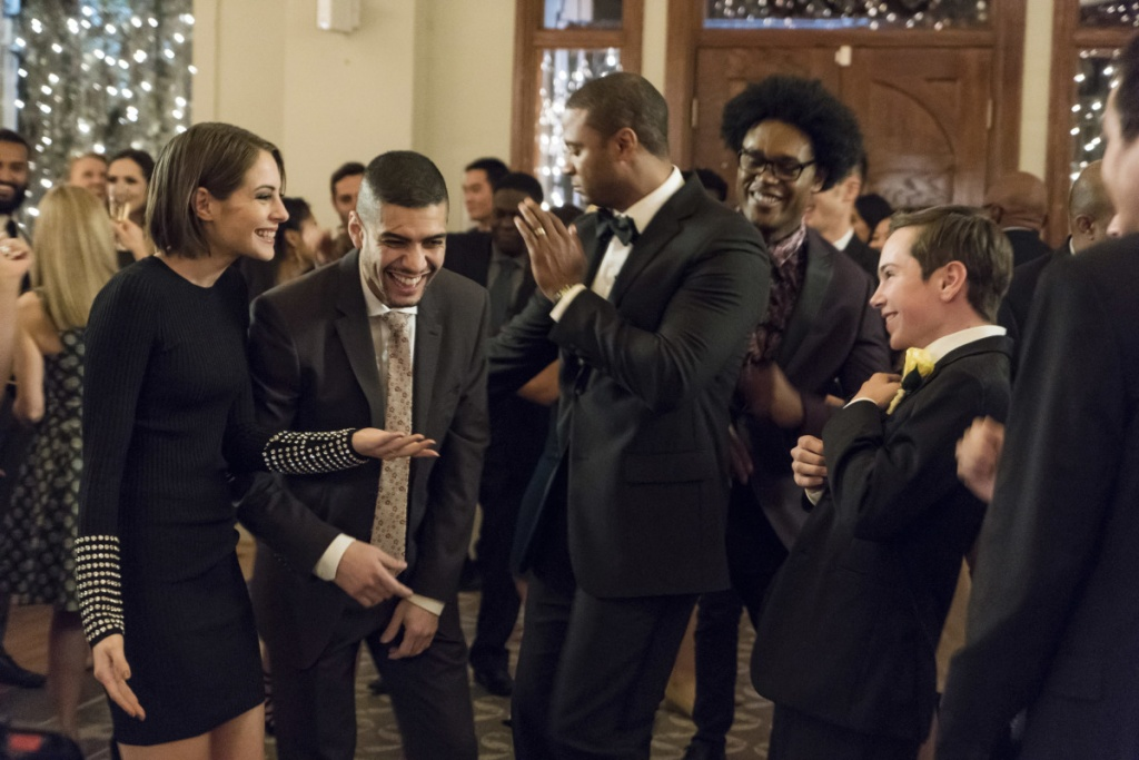Arrow Irreconcilable Differences review - Team Arrow partying