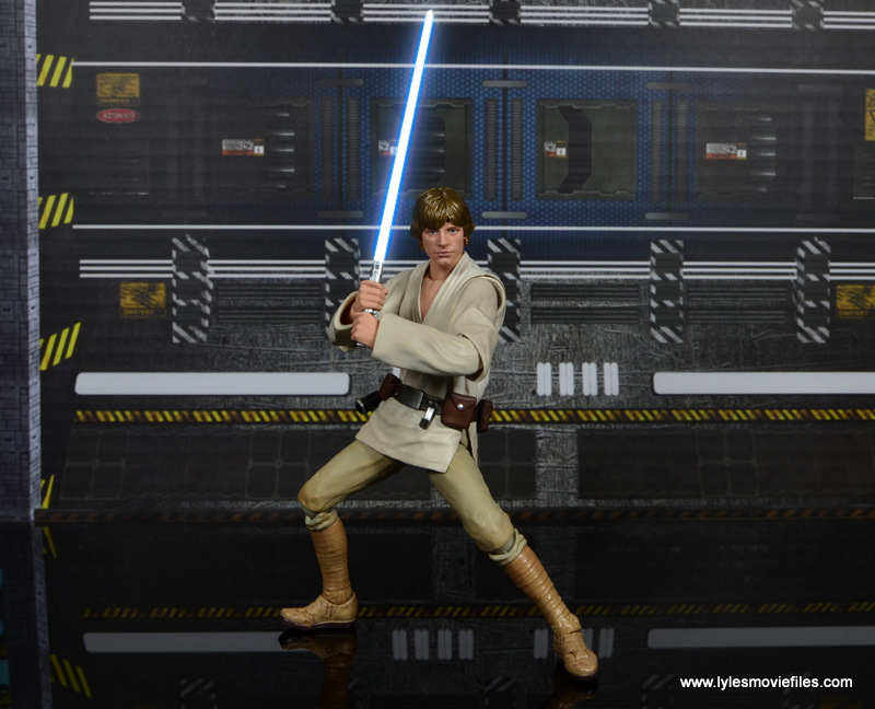 SH Figuarts Luke Skywalker figure review -battle stance with lightsaber lit