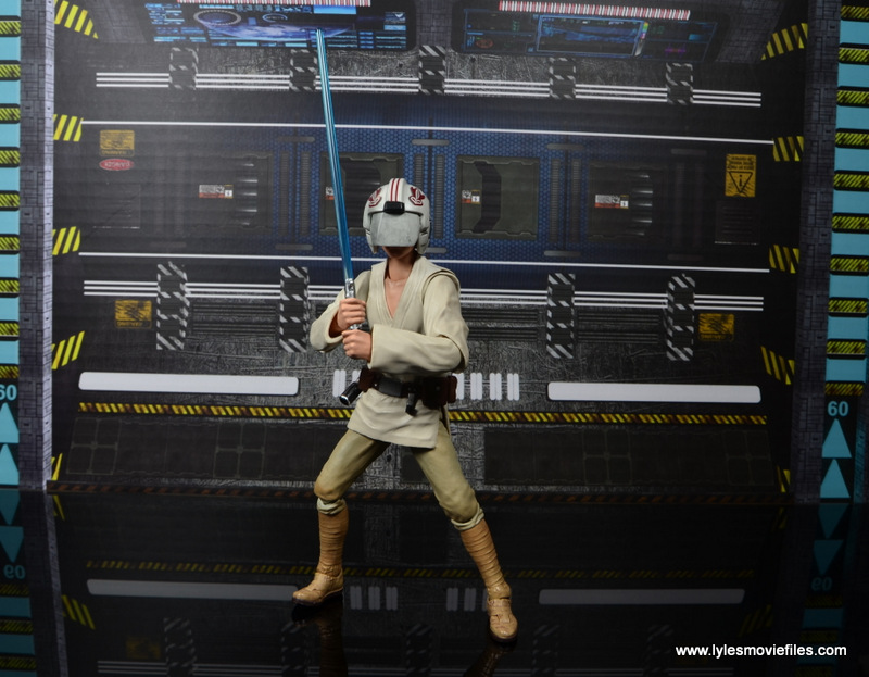 SH Figuarts Luke Skywalker figure review -with blast helmet on