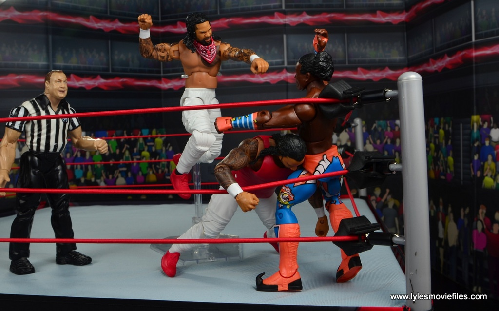 wwe elite 54 the usos jimmy and jey usos figure review - corner splash double team