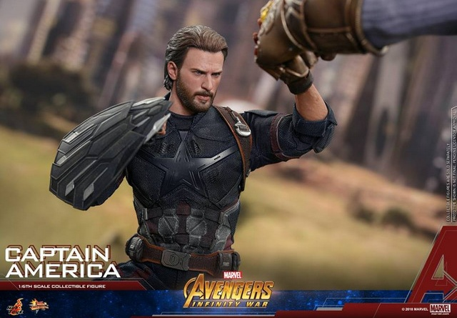 hot toys avengers infinity war captain america -holding back thanos