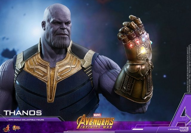 hot toys avengers infinity war thanos figure - gauntlet up