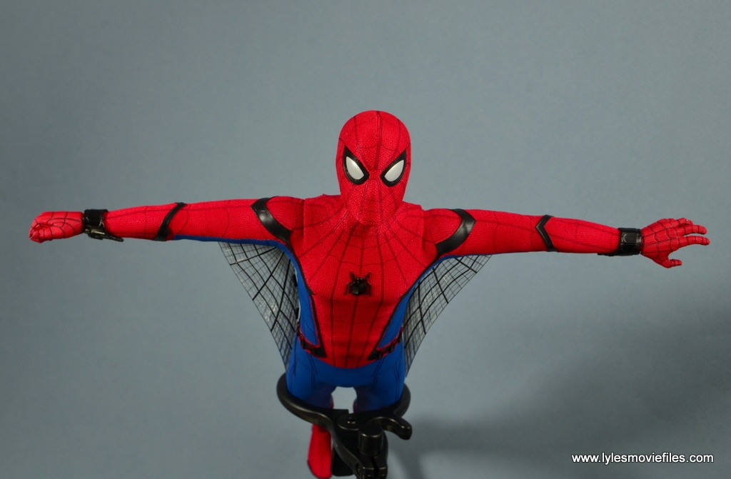 hot toys spider-man homecoming figure review - wings out