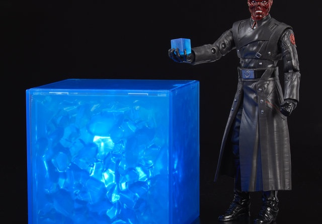marvel legends red skull sdcc figure