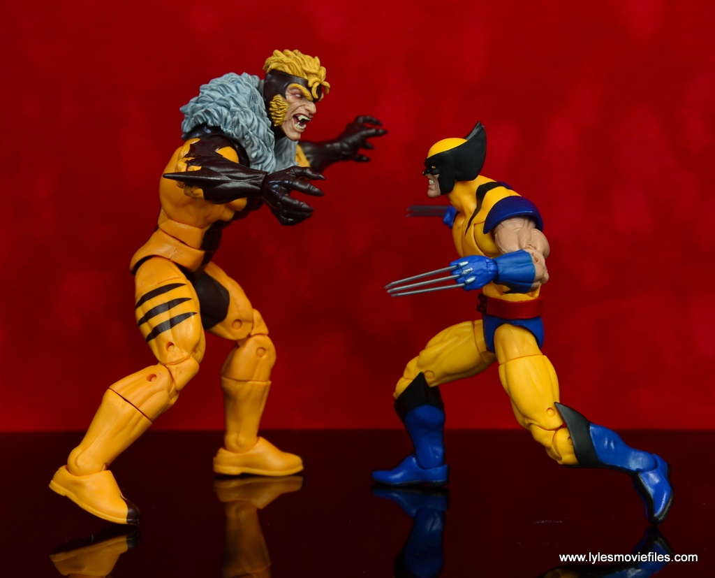 marvel legends sabretooth figure review - face off with wolverine