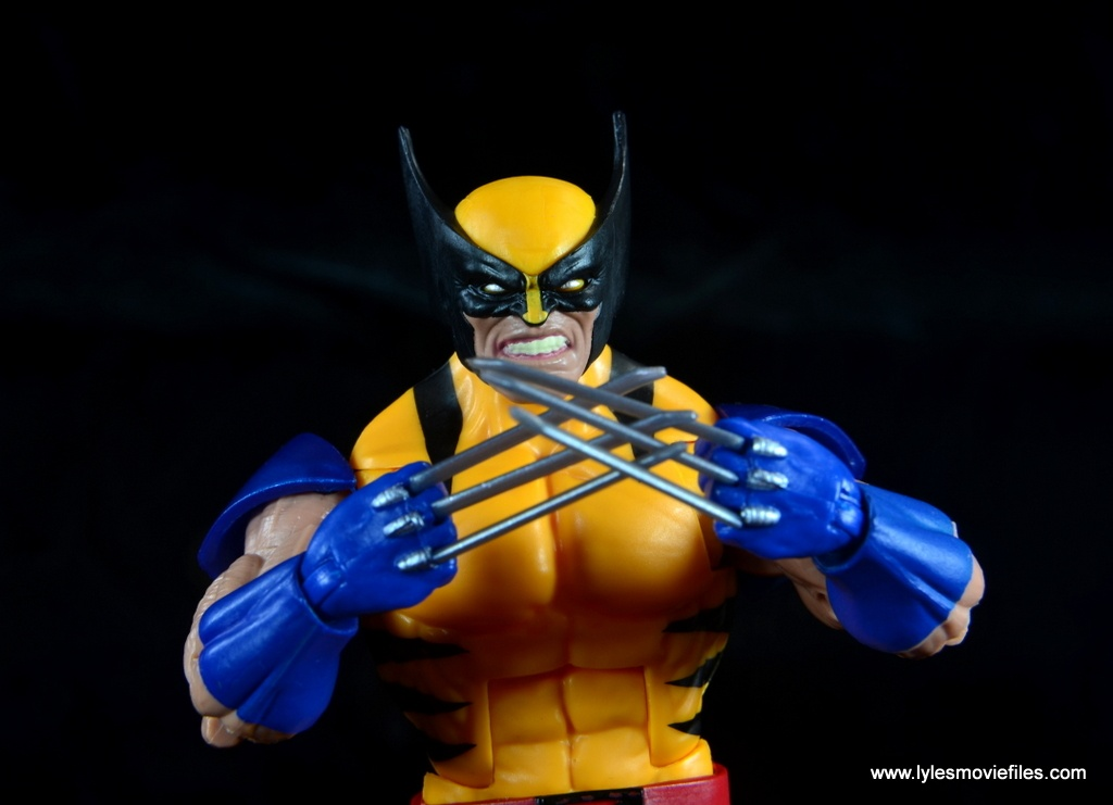 marvel legends wolverine figure review - claws together