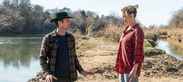 fear the walking dead laura review - naomi and john on the waterfront