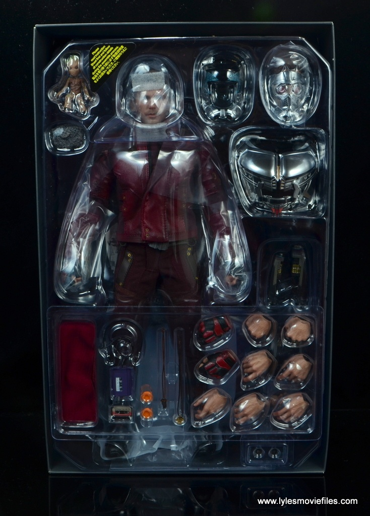 hot toys guardians of the galaxy vol. 2 star-lord figure review - accessories in tray