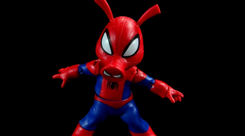 marvel legends spider-ham figure review -main pic