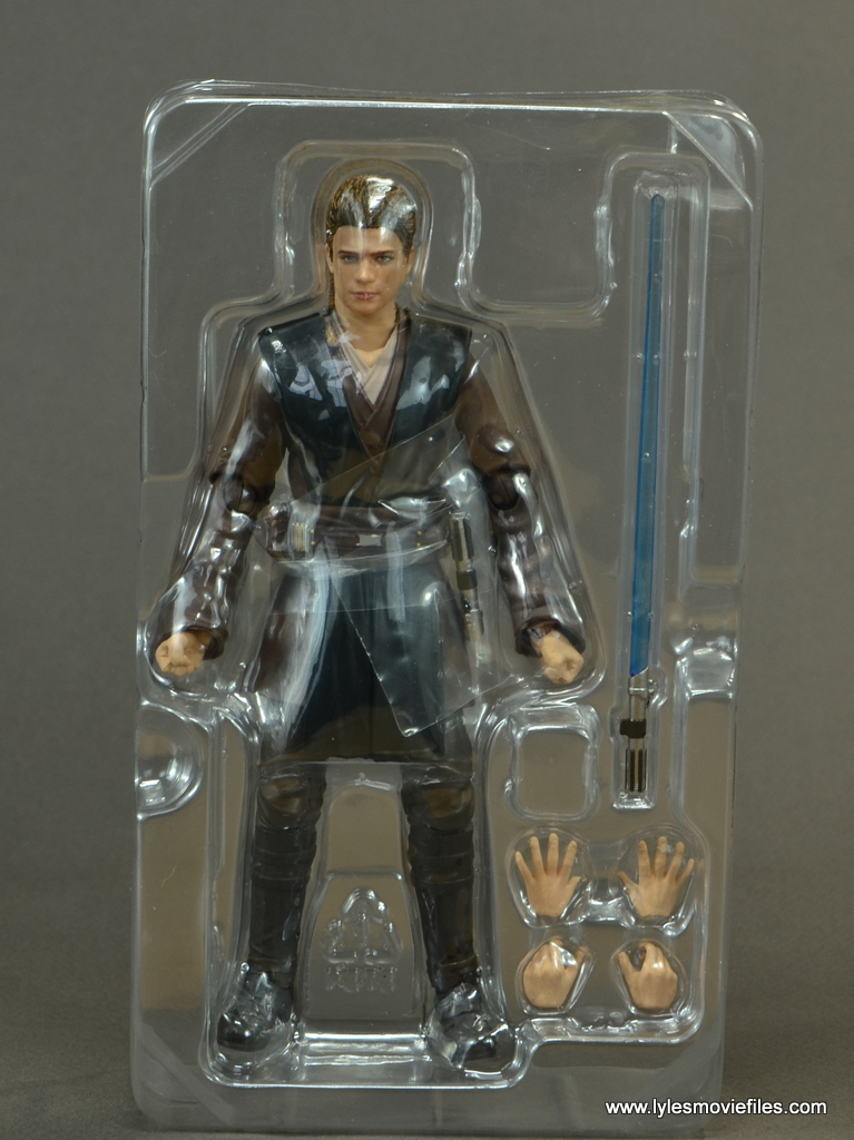sh figuarts anakin skywalker figure review -accessories in tray
