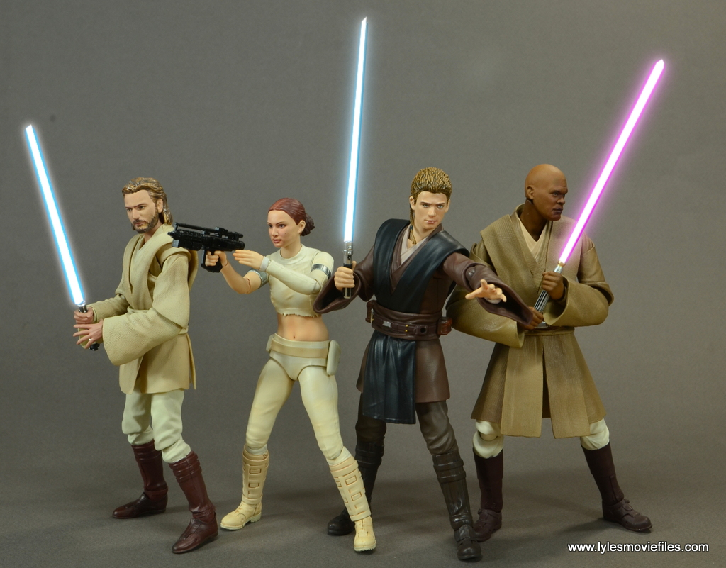 sh figuarts anakin skywalker figure review -with obi-wan, padme and mace windu lightsabers